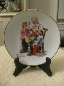"ADORABLE 6.5"" ""NORMAN ROCKWELL"" DECORATIVE COLLECTOR'S PLATE"