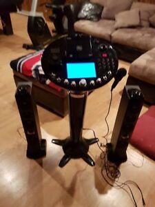Machine Karaoké micro sans fil et 165 chansons