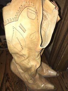 Vintage womens leather boots