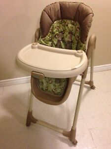 High Chair - GRACO  London Ontario image 1