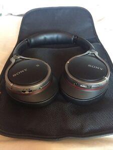 Sony High Res Bluetooth Headphones  Windsor Region Ontario image 3