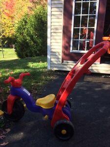 Tricycle et berceur
