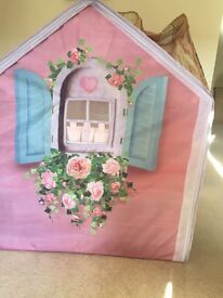 Rosepetal Cottage with play cooker, washing machine & sink unit