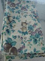 nappe d été en plastique motif fruit  Simons 52 x 89 po. de long