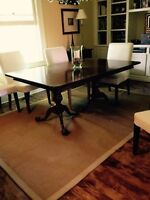 Table, 2extensions et 6 chaises style Chippendale