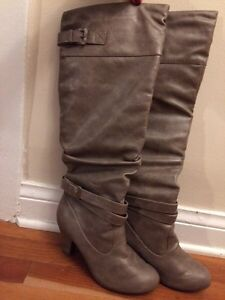 Grey Over the Knee Size 7 Boots