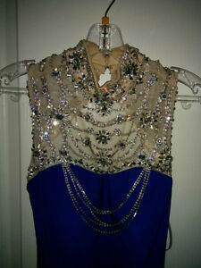 BEAUTIFUL ROYAL BLUE PROM DRESS FOR SALE! Windsor Region Ontario image 5