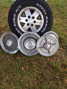 Gmc wheels and various hubcaps Kitchener / Waterloo Kitchener Area image 1