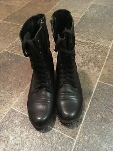 Steve Madden - Troopa Booties Size 7.5
