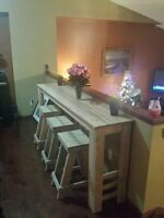 Breakfast table and 3 stools