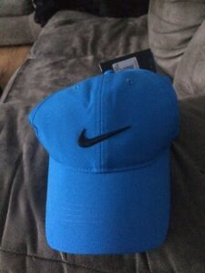Brand new tags still on Nike hat London Ontario image 1