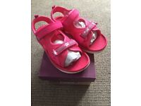 Clarks Star Games washable sandals, pink, size 9.5 F, EU 27.5