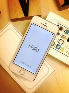 Brand new iPhone 5s silver 16G UNLOCKED with everything Calamvale Brisbane South West Preview