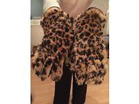 Stunning 1950s Dent fur gloves