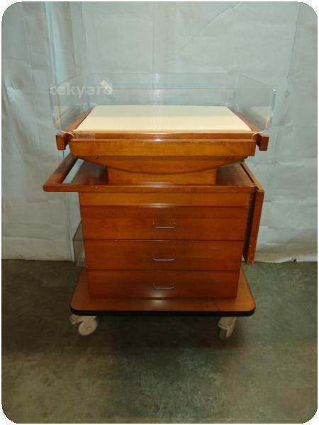 INFANT BABY BASSINET W/ WOODEN CABINET @ (238359)