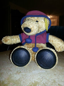 BRAND NEW MP3 MUSICAL BEAR WITH SPEAKERS IN HIS FEET!!!!!!!!!!!! London Ontario image 1
