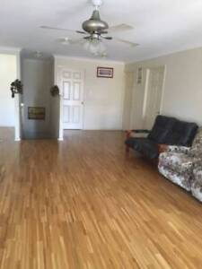 DOUBLE ROOM FURNISHED WALK TO TRAIN,BUS,SHOP; 11 KMS CBD