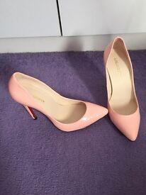 Pale pink heels size 4