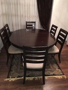 Dining set (Expandable table top) unbelievable Deal... Downtown-West End Greater Vancouver Area image 5