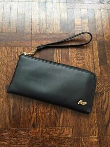 Roots Black Leather Wristlet