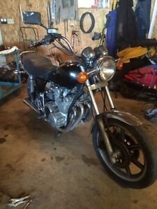 Yamaha 750 triple