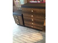 Five drawer chest drawers