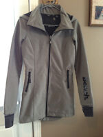 ***Best Offer****3/4 Spring/Fall Bench jacket XS like new.