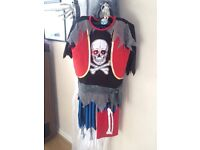 Cool zombie pirate Halloween costume size 7-8