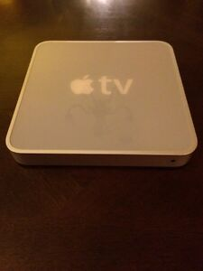 APPLE TV FIRST GENERATION LIKE NEW CONDITION VERY RARE!