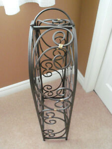 **** NEW - ELEGANT DESIGN  WINE STAND WITH HANDLE**** Stratford Kitchener Area image 3