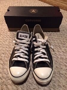 Men's leather Chuck Taylor size 10.5