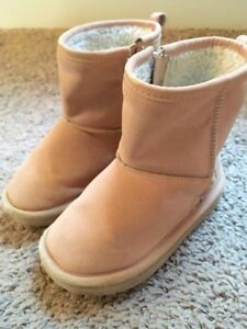 Baby Gap Dusty Rose Pink Sherpa Toddler Boots Sz 8