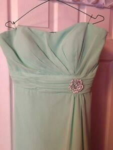 Selling 2 bridesmaids dresses