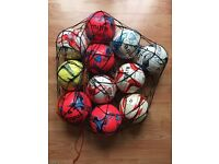 10 SIZE 3 FOOTBALLS AND CARRIER NET