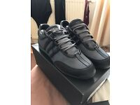 Brand new y3 trainers RRP £200 selling for £100