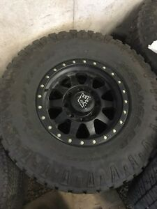 "17"" AE Alloys 315/70r17 tires Peterborough Peterborough Area image 1"