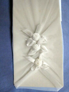 * * Lace Wedding Gloves * *