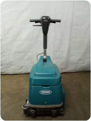 TENNANT T1B BATTERY OPERATED FLOOR SCRUBBER @ (276209)