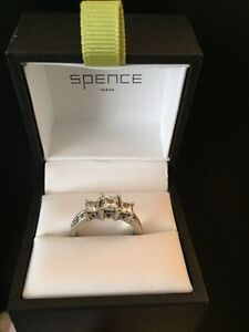 19 kt gold Engagement ring from spence diamonds  Kitchener / Waterloo Kitchener Area image 8