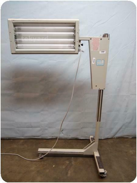 AIR SHIELDS VICKERS   FLUORO-LITE PHOTOTHERAPY UNIT ! (248999)