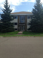 2 bedroom walking distance from Moncton Hospital!