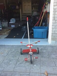 Red Rapid Flyer tricycle - parents safety handle Cambridge Kitchener Area image 7