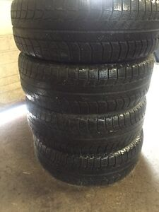 4 winter 215/60/16 Michelin xice installation available