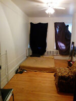 Furnished Room in Friendly House for June near Concordia