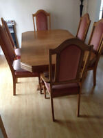 Solid Wood Dining Tableand 6 chairs!