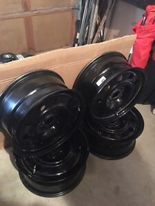 "17"" tire rims. Excellent condition  Cambridge Kitchener Area image 2"