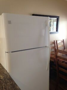 Kenmore 18c ft Fridge and Stove (self cleaning oven)