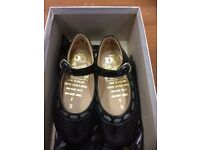 Vintage girls shoes, size 5, brand new