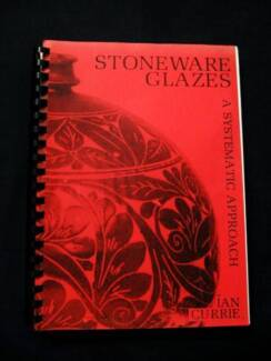 Pottery: Stoneware Glazes - Ian Currie