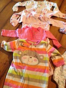 Pyjamas 6-9 mois